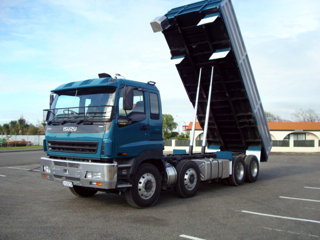 Isuzu Tipper With One Piece Steel Side